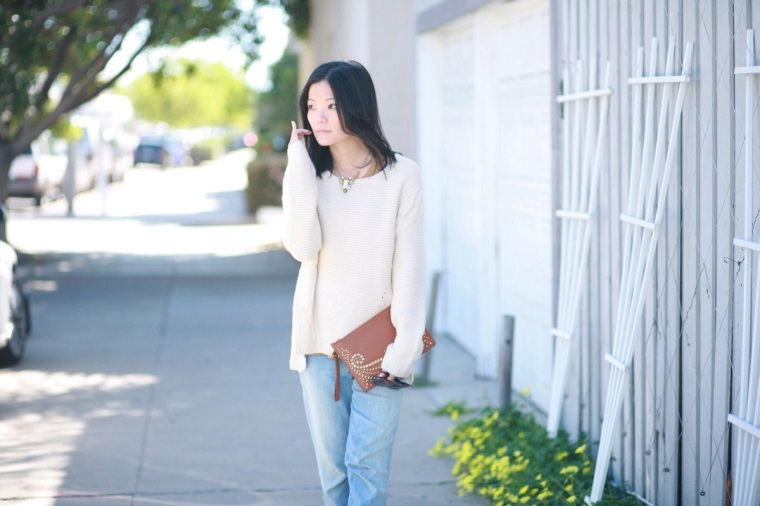 Neutrals again. This Urban Day sweater kept me warm with the windy sea breeze.