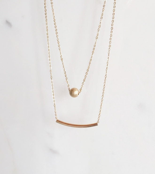 Surprise 2: a dainty layer necklace.